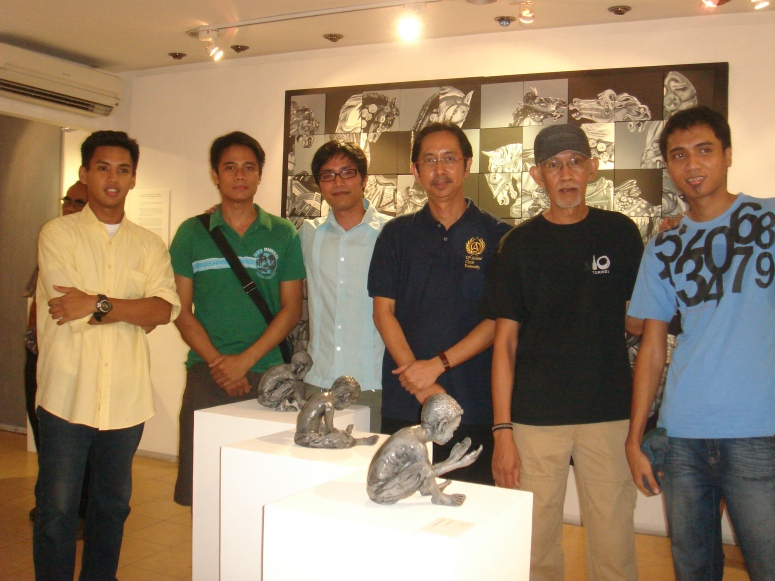 From left Jun Cristobal (exhibit notes), Philipp Ines, Manolo Sicat, Benjie Cabangis (curator), Tatz Enrique, Josue Mangrobang